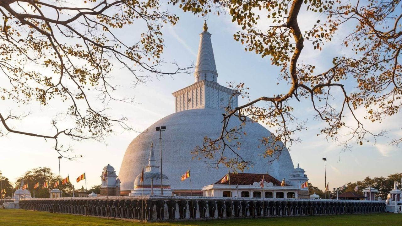 Holiday in Sri Lanka Anuradhapura Tour